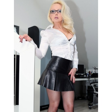 Leather skirt DS-512 black